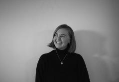 Olivia portrett smil 1 (1)